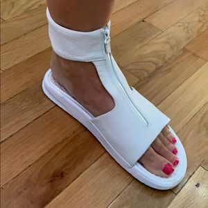 White Nike size 9 ankle sandals with zipper